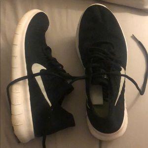 Black Nike Free Flyknit